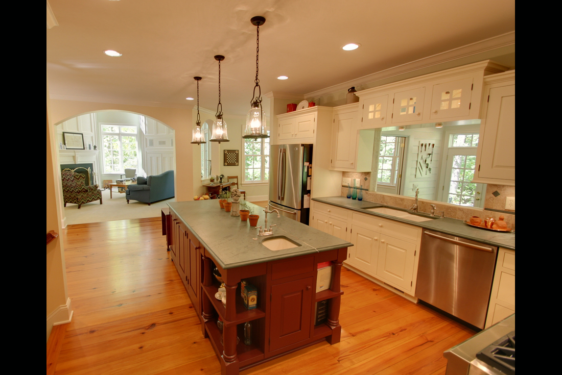 williamsburg colonial home kitchen