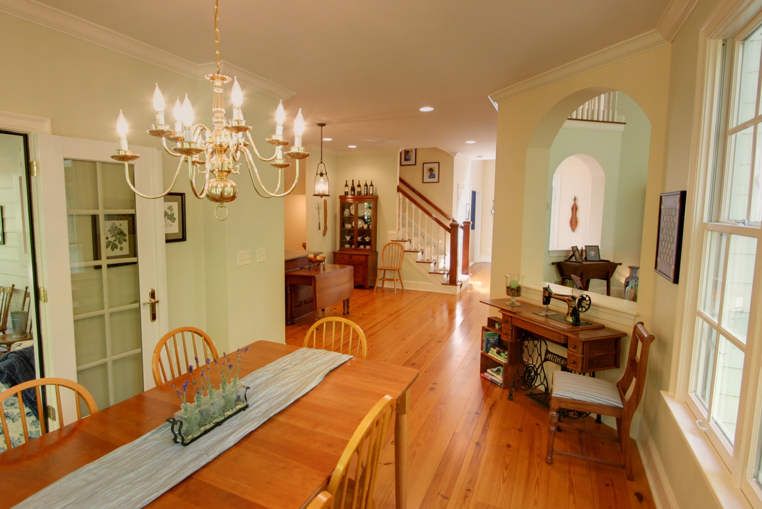 williamsburg colonial dining room