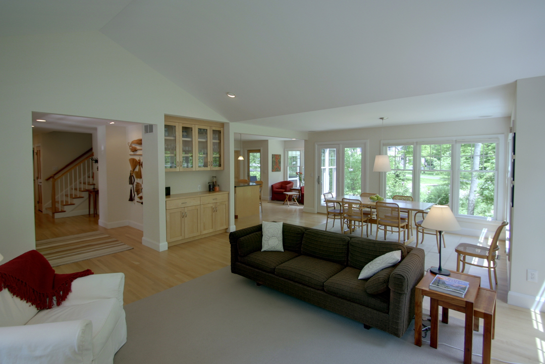 new england cottage family room
